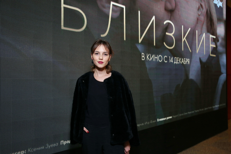 suchka-v-kinoteatre-laskaet-vlagalishe-video