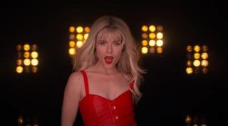 Netflix выпустил музыкальный клип I Want Your Cray Cray из второго сезона «Джессики Джонс»