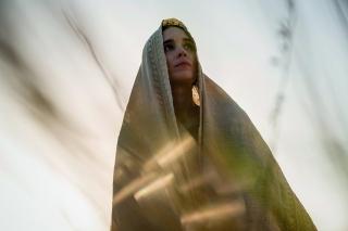 Рецензия: «Мария Магдалина» с Руни Марой и Хоакином Фениксом